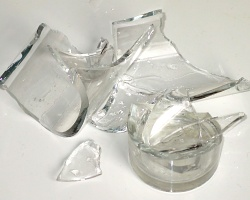 broken_glass250
